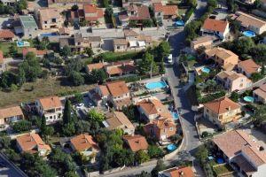 Des locataires refusent de quitter la maison d'un couple de retraités malades - Maisons d'en France 01